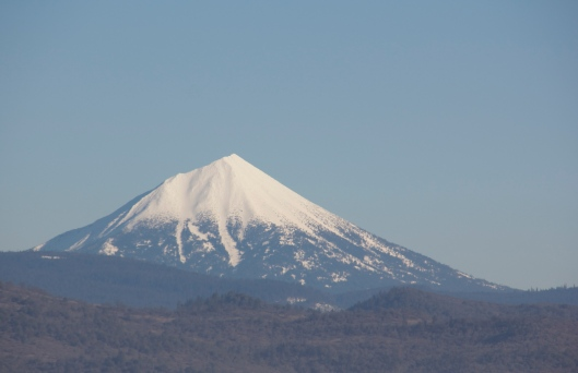 Oregon's Mt. McLoughlin. (Kathleen Kenna photo)